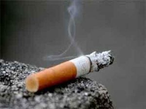 Smoking 10 cigarettes a day linked to higher risk of psychoses