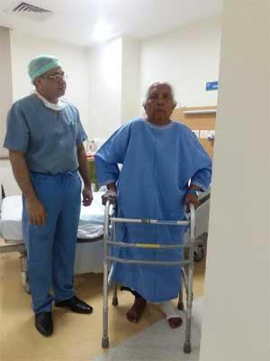 Successful knee replacement at Jaypee Hospital helps 75-year-old woman to walk again after 5 years