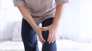 Removing old cells from joints can delay onset of osteoarthritis