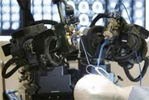 UK scientists create world's smallest surgical robot