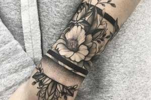 Case of inflammatory myopathy following tattooing