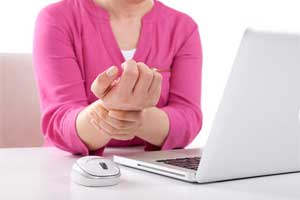 Hormone therapy may reduce risk of carpal tunnel syndrome