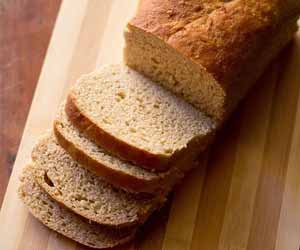 Blood sugar and diabetes risk lowered by consumption of high-amylose wheat bread