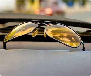 Yellow lens glasses don't improve night time vision of drivers: JAMA