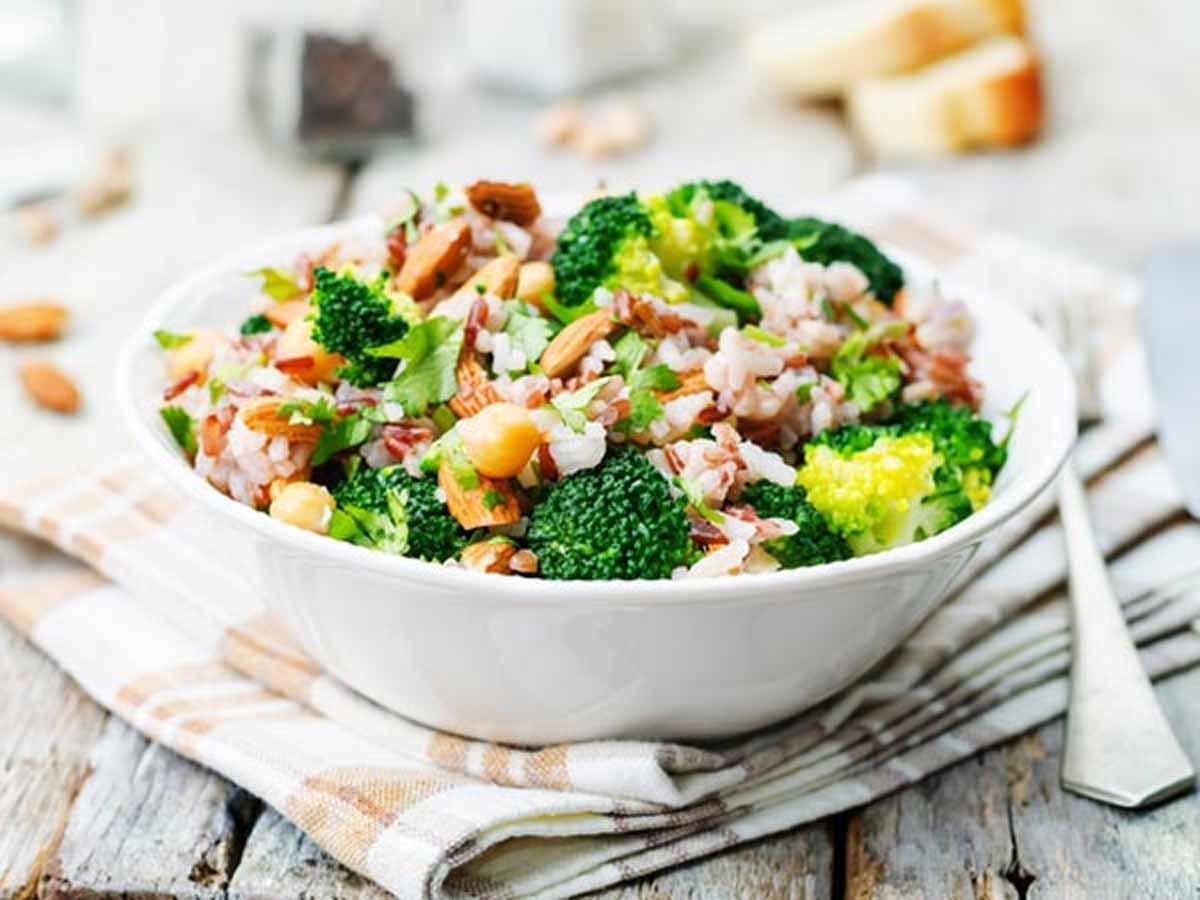 Mediterranean, DASH diet tied to 30% decreased risk of CKD, finds study