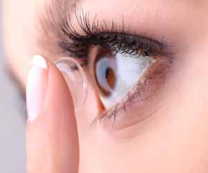 Smart contact lens that can diagnose diabetes and treat diabetic retinopathy