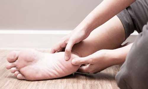 Physical therapy added to podiatric care for plantar heel pain has minimal benefits